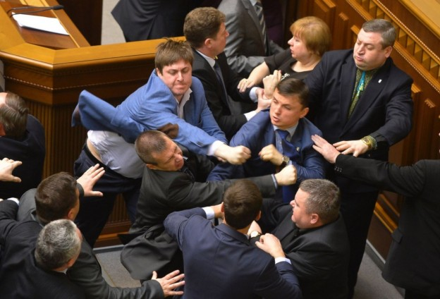 AP_Ukraine_politicians_fight_Ml_22x15_1600-1160x789