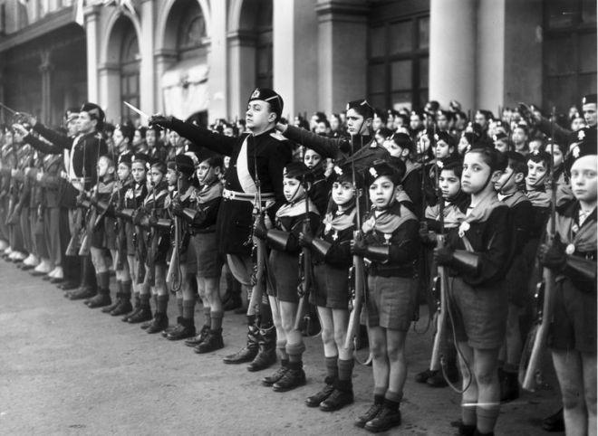 italian-fascist-youth-2698633-59887c4faad52b0010e29e14